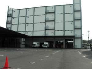 埼玉物流センター外観・駐車場